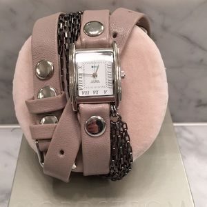 Gray La Mer wrap around watch with silver chains